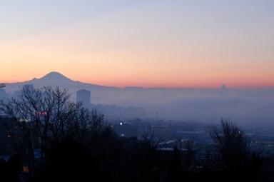 Mt Ranier- Sunrise in December. Shot from Kerry Park, Seattle in December 2017